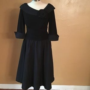 Jessica Howard Black off shoulders dress Sz 6